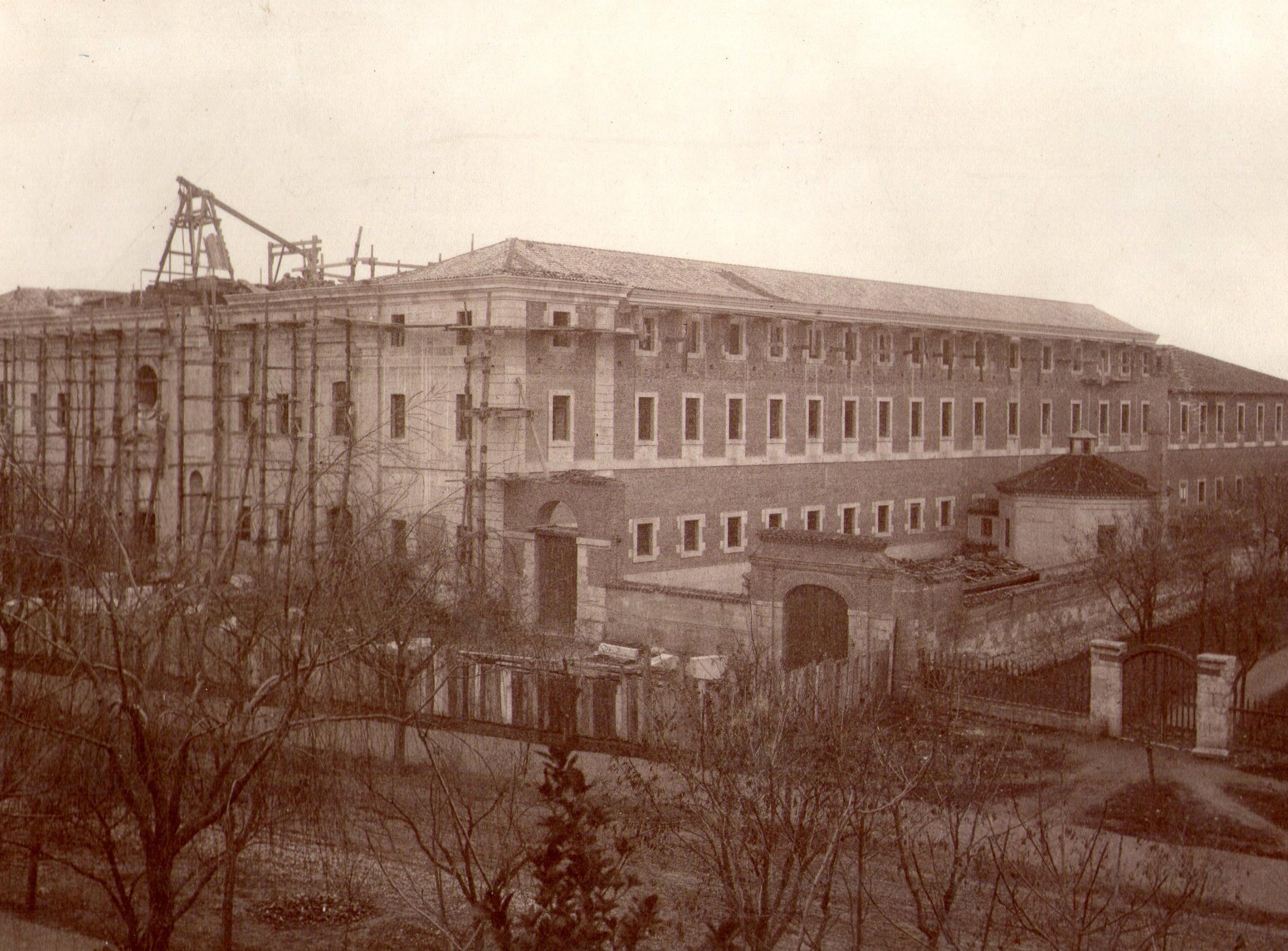 FACHADA EN CONSTRUCCION (1883)